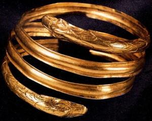 Museo Archeol. Nazionale Marche bracciale etrusco oro