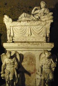Volumni urn